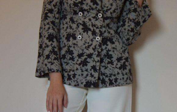 Giacca stampata e pantalone palazzo